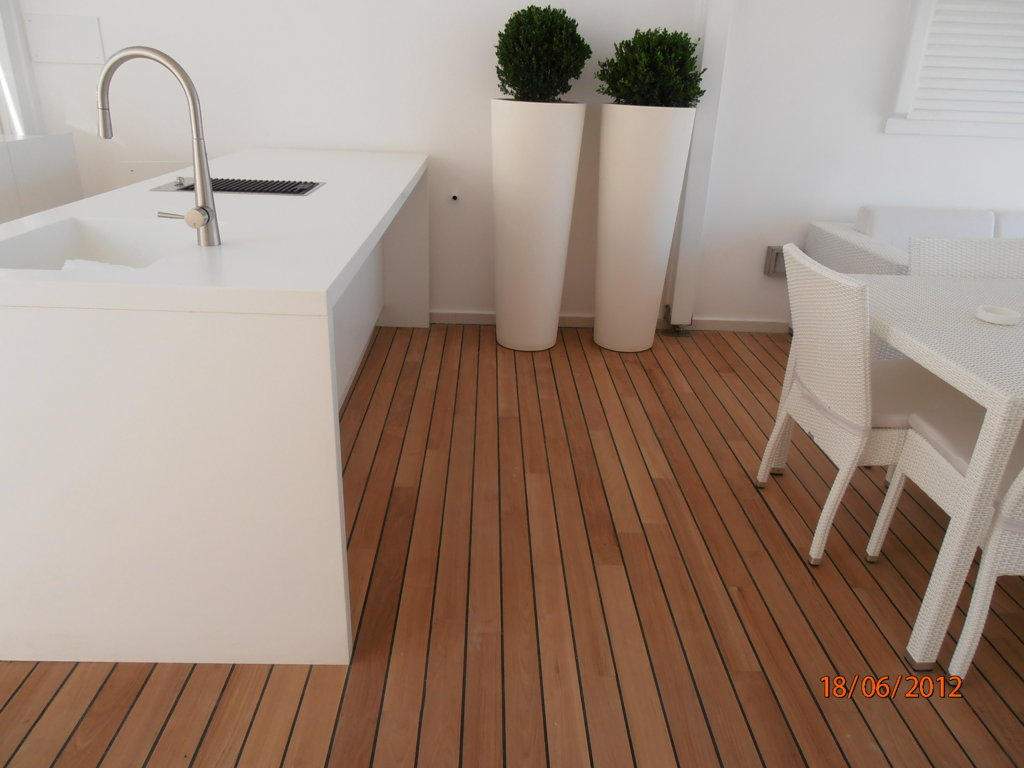 Beautiful teak filettato nero with pavimenti in teak - Costo piastrelle bagno al mq ...